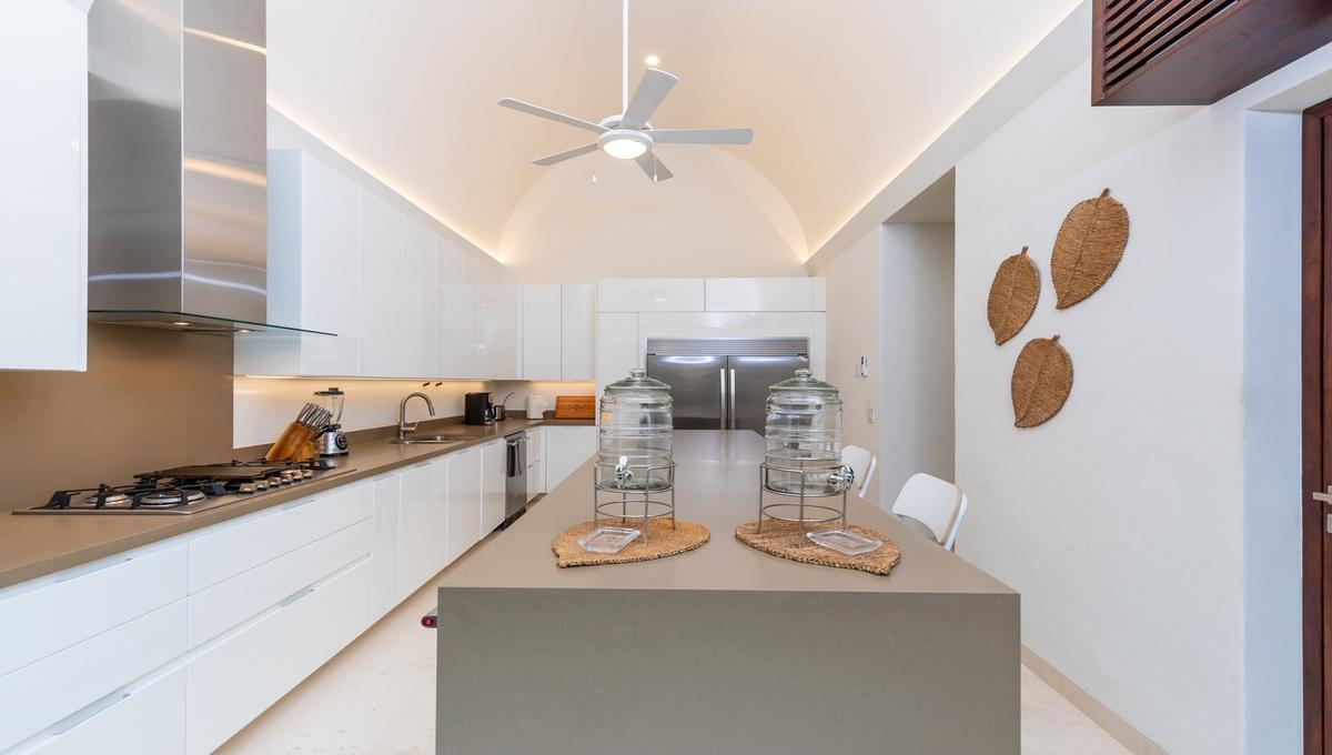 8-bedroom-villa-kupuri-punta-mita-51