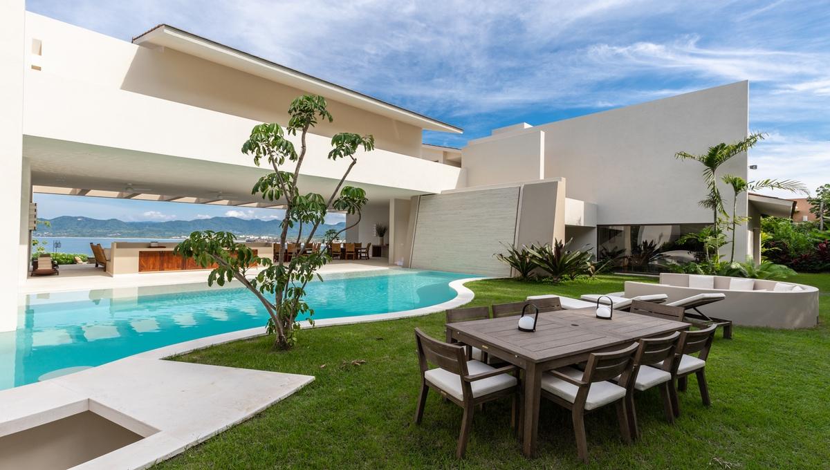 8-bedroom-villa-kupuri-punta-mita-85