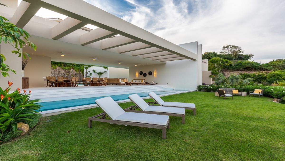 8-bedroom-villa-kupuri-punta-mita-93