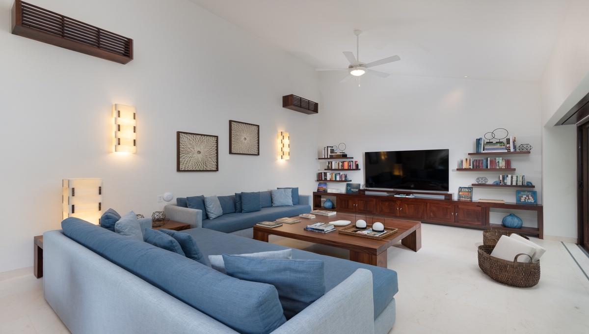 8-bedroom-villa-kupuri-punta-mita-95